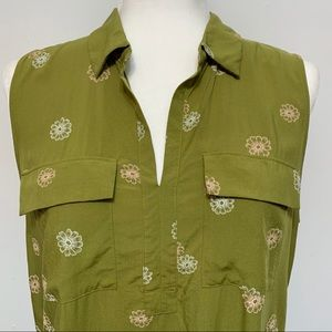 Sleeveless two pocket pullover top from LOFT. CUTE